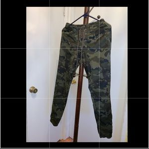 Rue 21 camo joggers high waisted